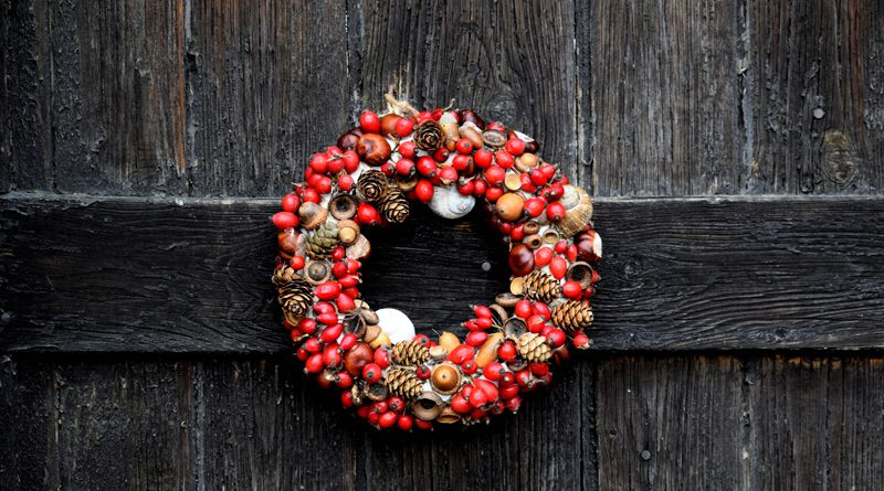 Christmas Wreath Fence Banner
